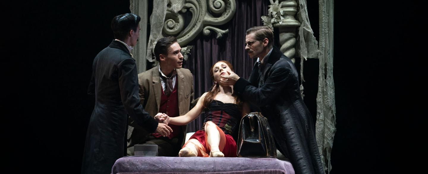 Arthur and Seward attend to Lucy on her sick-bed while van Helsing attempts a diagnosis