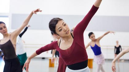 Northern Ballet dancers rehearse as Swans