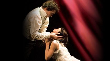 The tragic love of La Traviata in the publicity poster from 2005
